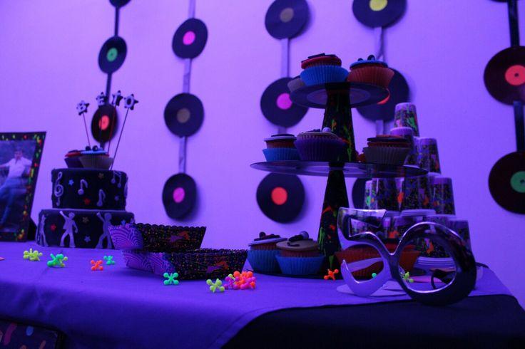 Cumpleaños  50, decorado fiesta disco, años 80's