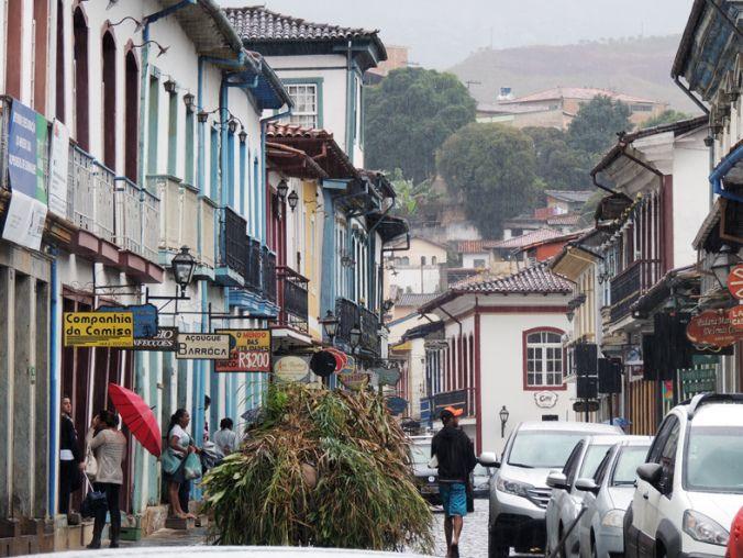 Rua Direita e Rua da Glória. Comércio de Mariana.