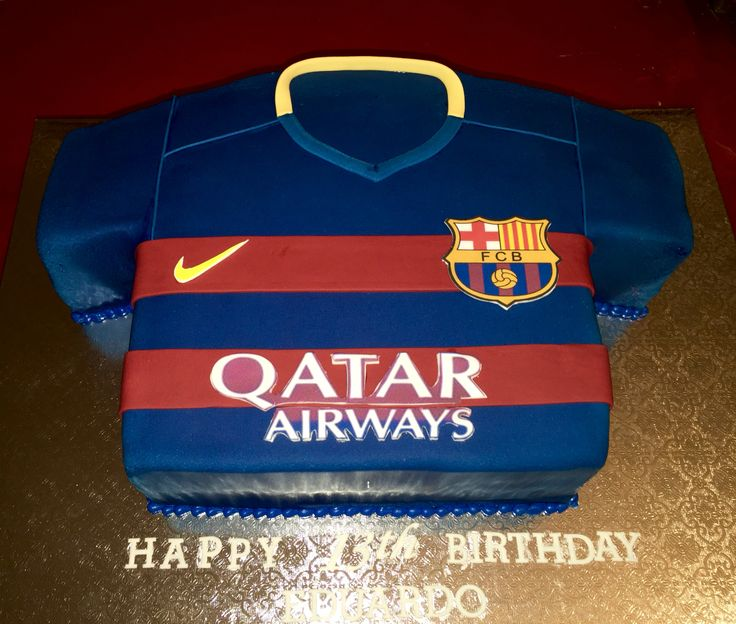Made this el barsa jersey cake with edible images