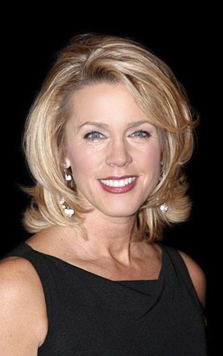 Vállig érő haj | Forrás: therighthairstyles.com via pinterest.com