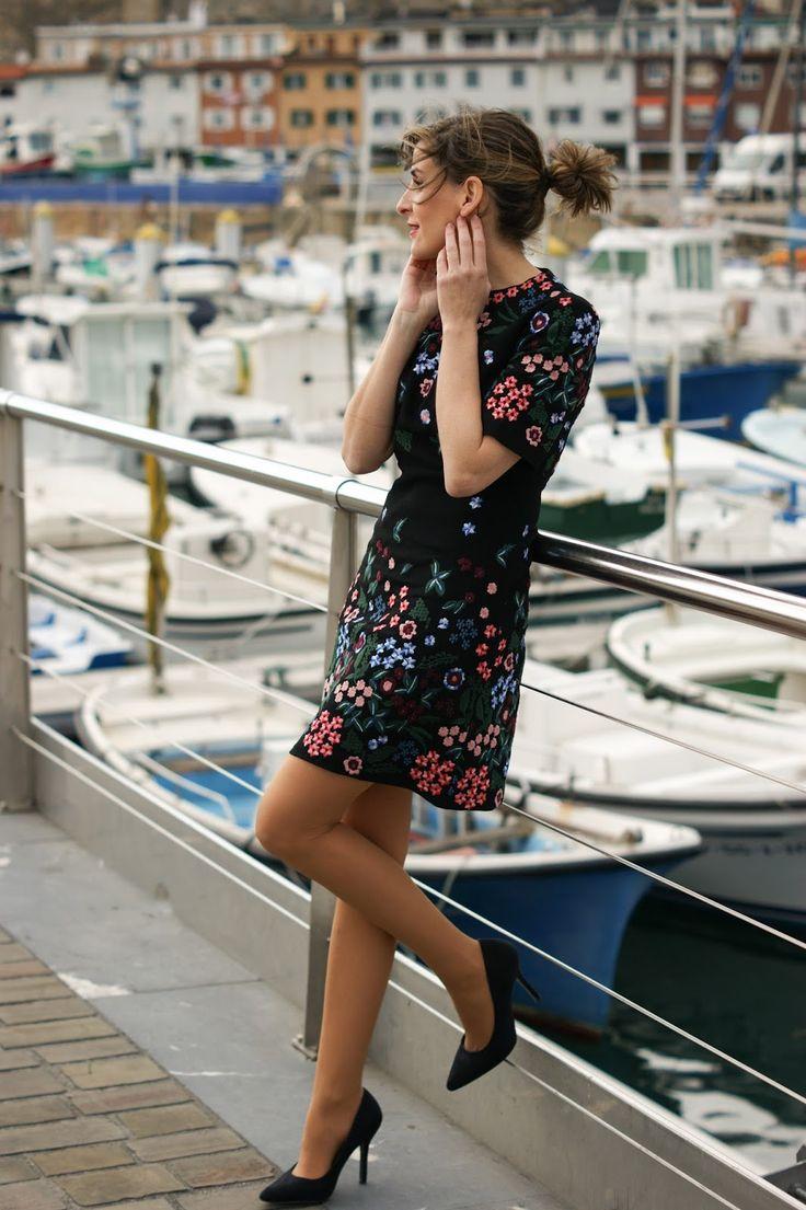 DSC02574.jpg (1065×1600) #tan #pantyhose #blogger #legs #heels