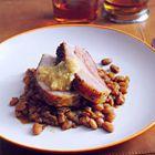 Langzaam gebakken bruine bonen met geroosterd spek - recept - okoko recepten