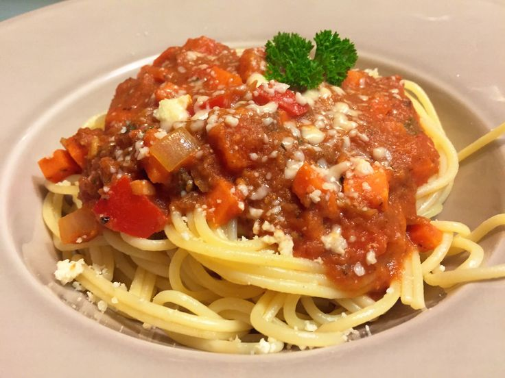 Nieuw recept: Vegetarische spaghetti bolognese - http://wessalicious.com/vegetarische-spaghetti-bolognese/