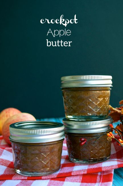 Crockpot Apple Butter plus instructions for canning! Great for holiday gifts.