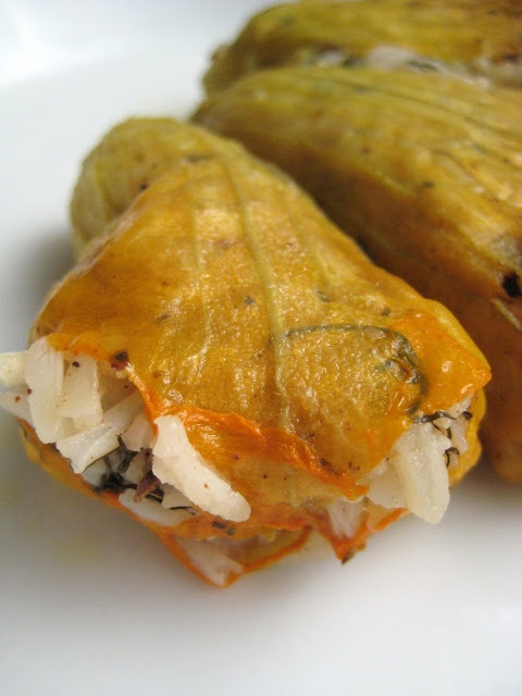 Almost Turkish Recipes: Vegetarian Stuffed Zucchini Flowers (Zeytinyağlı Kabak Çiçeği Dolması)