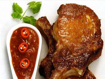 Жареные свиные отбивные в маринаде по-вьетнамски