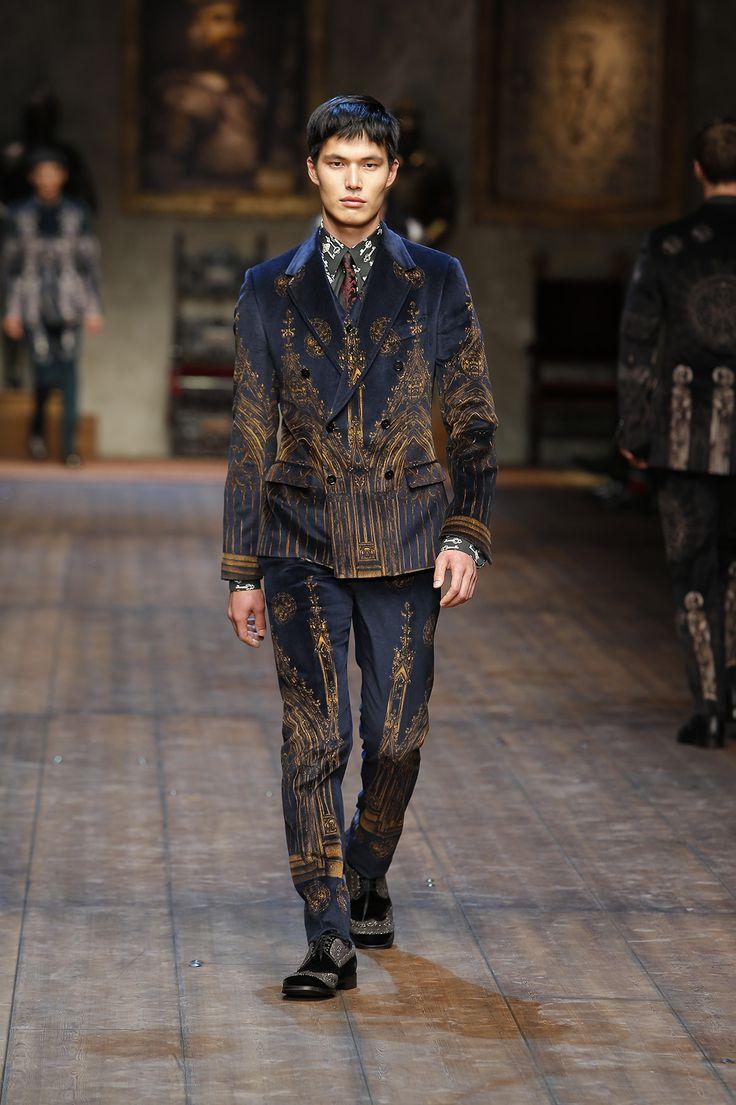 http://www.dolcegabbana.com/man/fashion-show/runway-gallery/dolce-and-gabbana-fw-2014-2015-men-fashion-show-runway-12/