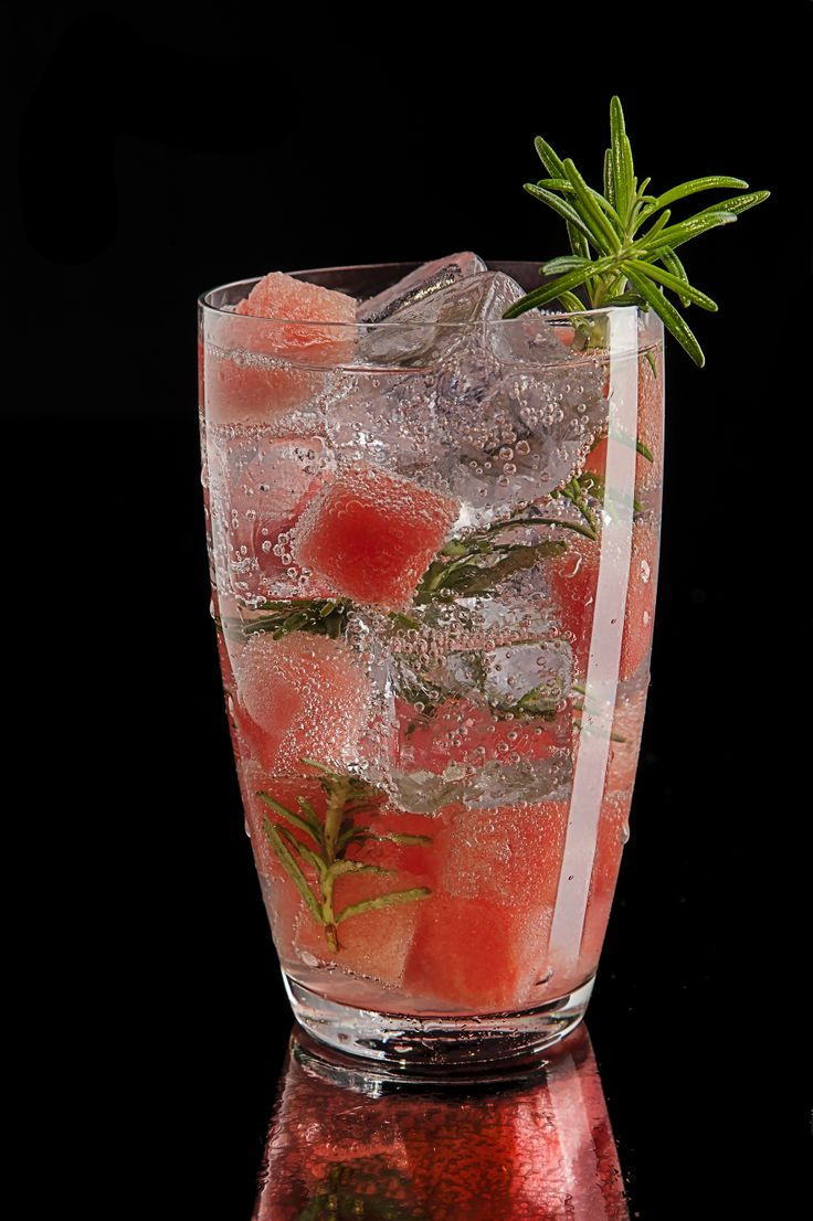 BBQ surprise #drink #cocktail #design #mattoniwater #mattonigrapefruit #bar #rosemary #watermelon #tabasco