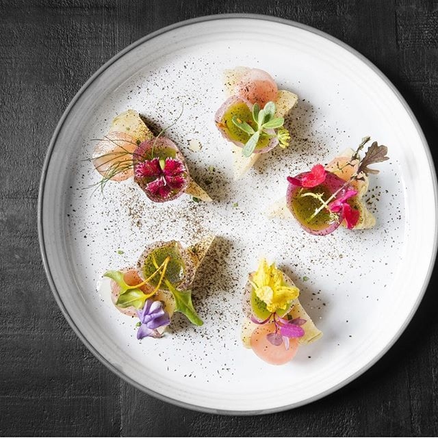 Baked cabbage, pickled radishes and baby onions by @celeri_restaurant . Picture by @beaschulze ・・・ Tag your best plating pictures with #armyofchefs to get featured. ❤️ ------------------------ #cabbage #pickled #pickles #onions