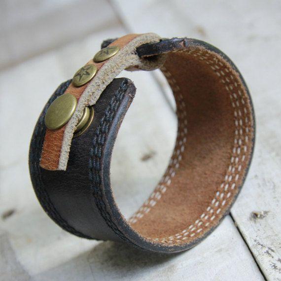 Braunes Lederarmband Cuff Upcycled Gürtel von orangeandprairie