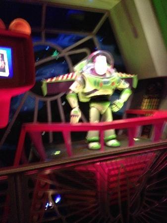 Magic Kingdom: Juego Buzz Lightyear