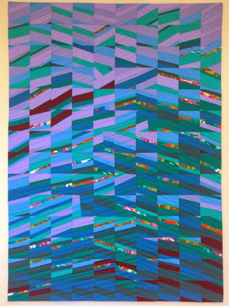 Tsunami by Kathleen Loomis, quilted by Marcia DeCamp