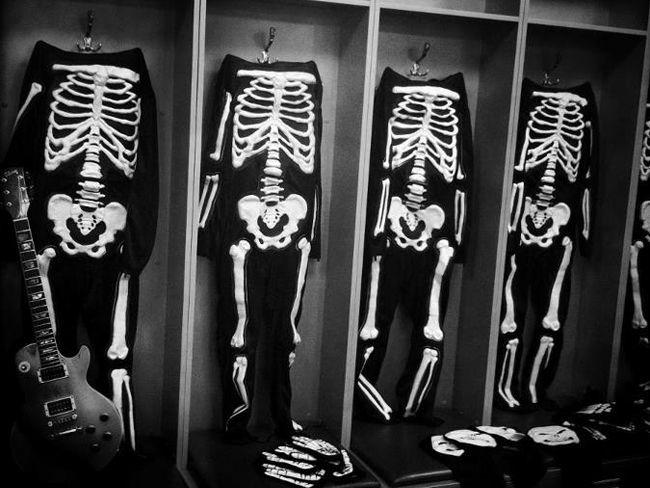 Эволюция сценических костюмов: Джин Симмонс - Hotter Than Hell