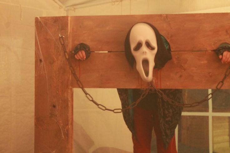 Idee om thuis te maken in je eigen spookhuis.