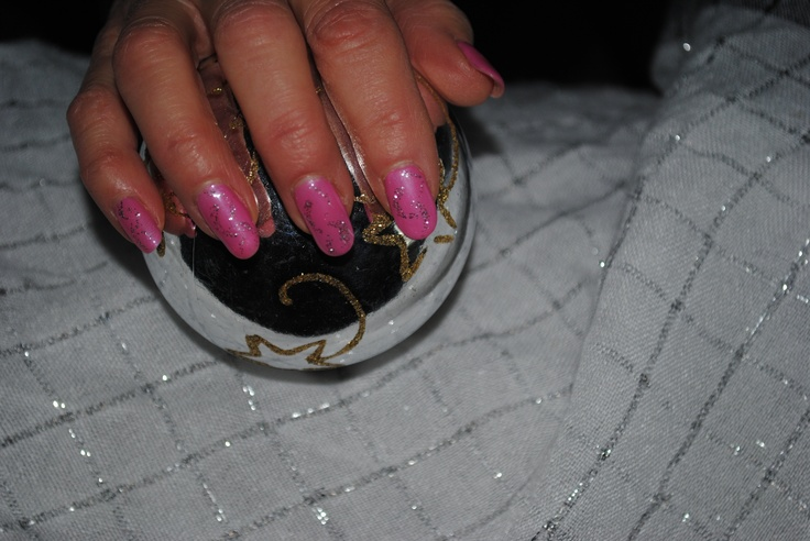 Bio Sculpture Holiday Nail Art by Dianne Guay, Account Manager in Ontario