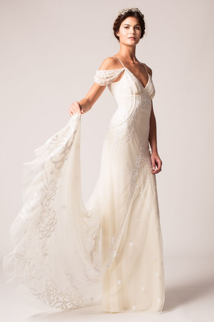 Choosing The Right Fabric For Your Wedding Gown | Regal Fabrics