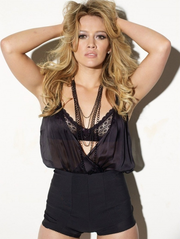 hilary-duff-in-lingerie-does