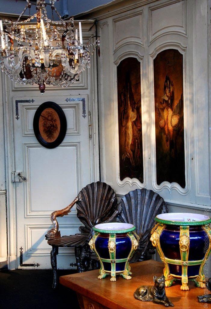 Ornamentsnijder - PATRICK DAMIAENS: ANTICA NAMUR 2014 | Kunst-en Antiekbeurs in Namen | 18de-eeuwse Luikse hoekkast | Salon des antiquaires Namur 2014