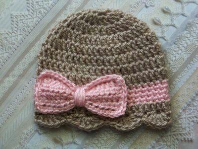 Crochet beanie w/bow and ruffle
