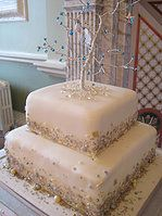 Gold and silver sparkle wedding cake