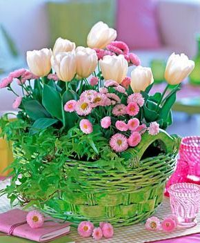tavaszi csokor kosárban