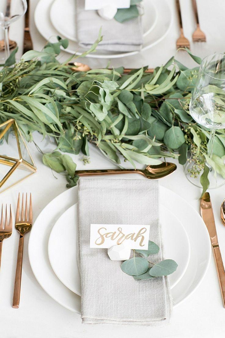 tischdekoration hochzeit elegant gold grün blumen…