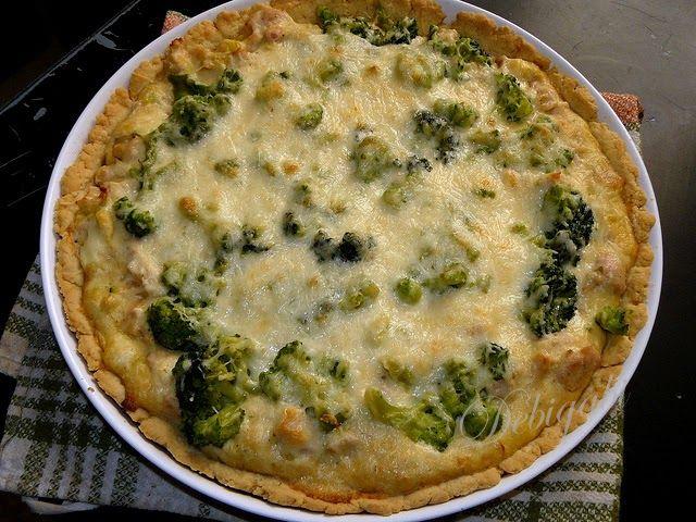 Vegyes saláta: Brokkolis-csirkés quiche