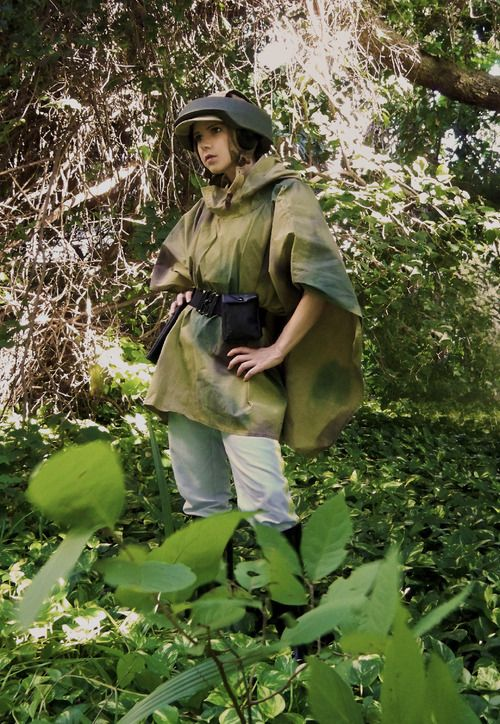 STAR WARS Endor Princess Leia Cosplay by cosplay artist Lady Lomax