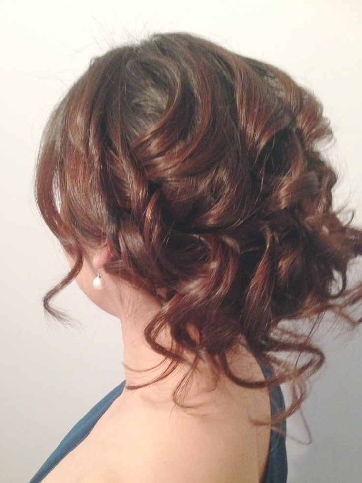loose curls messy chic hair do