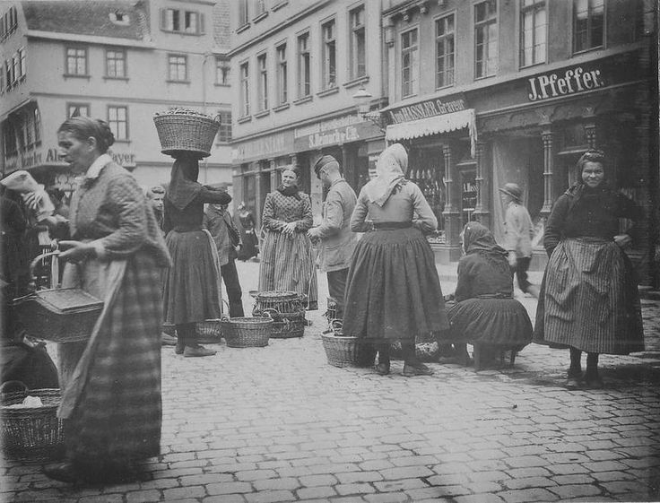 peasants at market_c1890.jpg