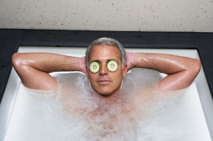 V Japonsku se lidé noří do horkých pramenů, které jsou cennou relaxací již po tisíce let. Kromě toho místní lidé věří, že tato koupel pomáhá v uzdravení.