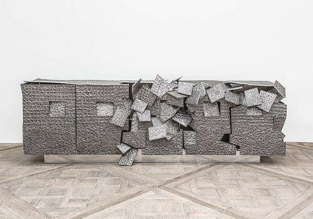 Vincent Dubourg restores a dialogue between sculpture