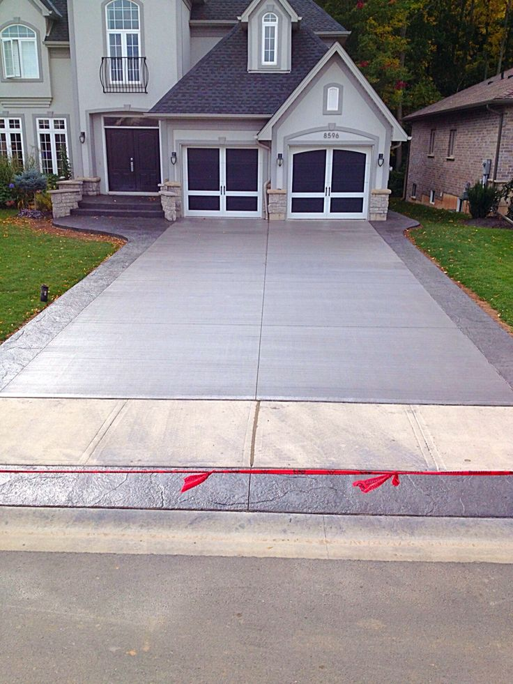 151 best cours images on pinterest stamped concrete for Cement driveway ideas