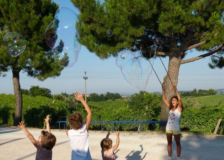 19 Luglio - Intrattenimento per bambini  - Bolle di sapone #tenutaneri www.tenutaneri.com #romagna
