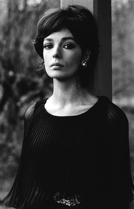 Accordion pleated chiffon. Voguish enchantment... Juliette Gréco