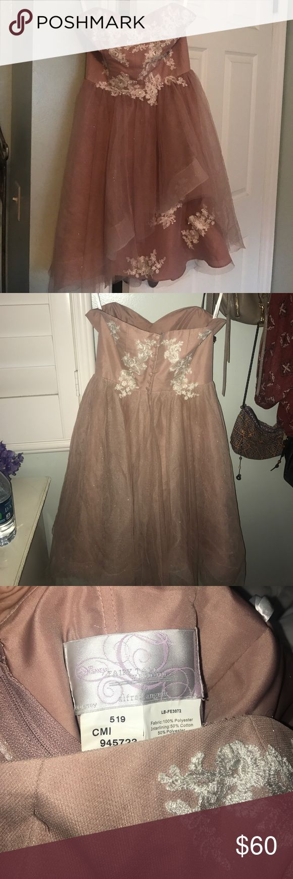 Disney Fairy Tale Weddings Dress by Alfred Angelo Beautiful dress! Only worn once and in perfect condition! Perfect for homecoming!! Reasonable offers accepted Alfred Angelo Dresses Strapless