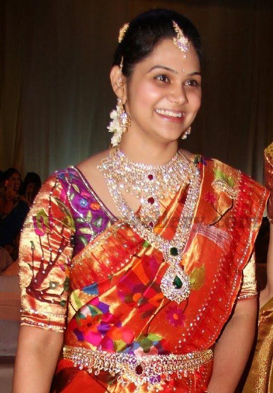 Jewellery Designs: Huge Indian Diamond Jewelry