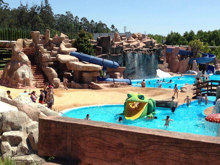 Non deixedes pasar a oportunidade de visitar o #Aquapark de #Cerceda. Se non o coñecedes encantaravos e se sodes repetidores por algo será... Virvos xa a darvos un mergullo nas nosas atraccións e a gozar en familia das nosas zonas de ocio infantil. Esperámosvos!!!
