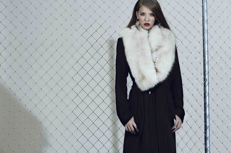 Cashmere and wool coat with fur collar from our Fall/Winter 2015 collection: http://manuri.ro/product/manuri-wool-coat/