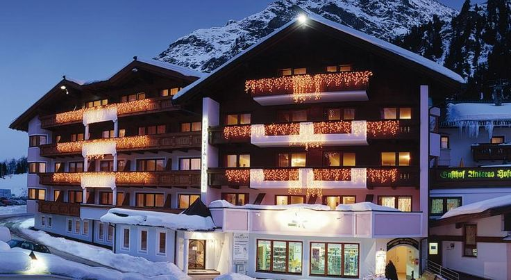 Familien- und Wellnesshotel Andreas Hofer Sankt Leonhard im Pitztal Located opposite the Rifflsee Cable Car and only 2 minutes away from the Pitztal Glacier, Familien- und Wellnesshotel Andreas Hofer offers spacious and quiet rooms with mountain views.