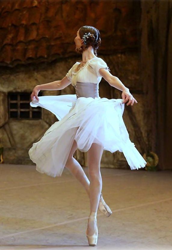 Anastasia Goryacheva in Bolshoi's Giselle …   BALLETOMANE ...