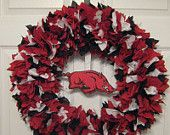 """18"""" Arkansas Razorbacks Fabric Wreath; I really like this one except for the razorback in the middle being crooked! Want to make a Razorback wreath before football season starts again!"""