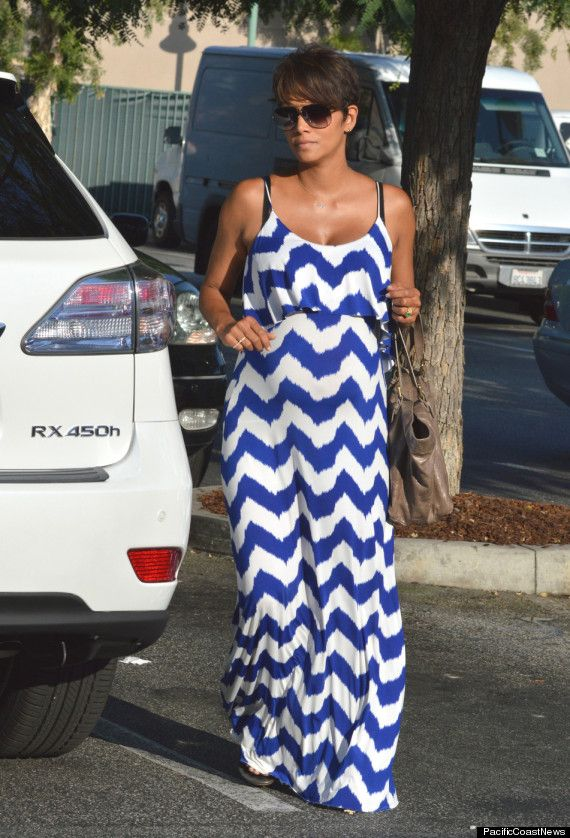 Pregnant Halle Berry Looks Gorgeous In Blue And White Maxi Dress