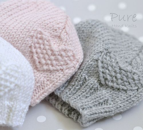 Knit this precious 4 Ply preemie and newborn baby hat to keep little ones warm. This little moss stitch heart preemie hat is very easy and very quick to knit. Perfect for a new knitter.