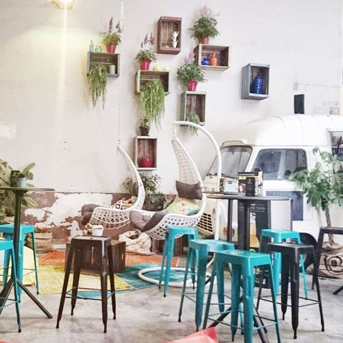 [Café-Dej-Brunch] L'Improbable Café 3-5 rue des Guillemites 75004 Paris  06 31 53 43 68  Du lundi au vendredi de 11h à 16h. Samedi et dimanche de 11h à 19h
