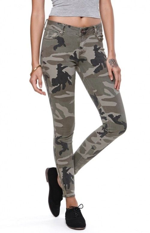 Bullhead Denim Co Women's Jeans Ankle Zip Camo Skinniest