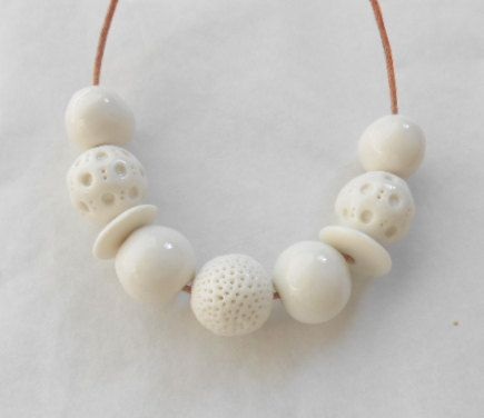 Granos blancos de cerámica de porcelana blanca grano Set - Natural textura brillante - hecho a mano en Sudáfrica