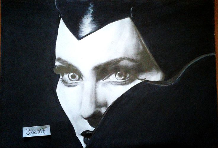 "Angelina Jolie - ""Maleficient""  ritratto"