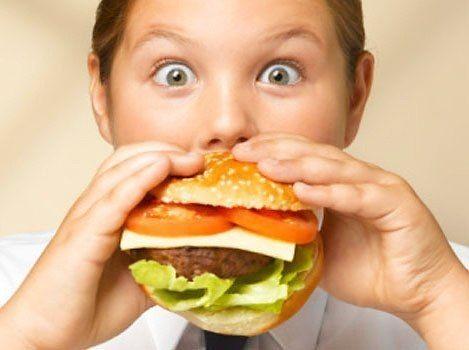 Чего не хватает твоему организму??? Хочется: шоколада Не хватает: магния Источник: орехи, семечки, фрукты, стручковые и бобовые. Хочется: хлеба Не хватает: азота Источник: продукты с высоким содержанием белка (рыба, мясо, орехи). Хочется: сладкого Не хватает: глюкозы Источник: мед, сладкие овощи, ягоды и фрукты. Хочется: жирной пищи Не хватает: кальция Источник: брокколи, стручковые и бобовые, сыр, кунжут Хочется: сыра Не хватает: кальция и фосфора Источник: брокколи, молоко, творог Хочется…