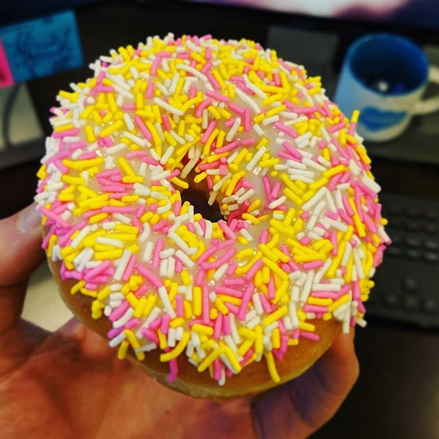 Don't fool me with your donut  But still... give it to me!  . . . #donut #work #sweet #colleagues #thankyou #omnomnom #calories #colorful #justeatit #kingofhashtags #MTL
